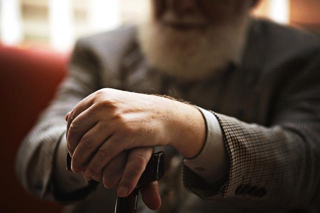 キャッシュレス化は正直怖い?高齢者の悩みや不安とは?慣れるには?3