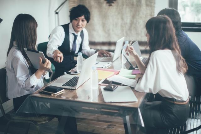 どこでもオフィスって便利なの?働く時間と場所が自由に?具体例も!2