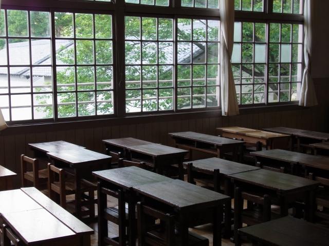 緊急事態宣言で仕事や学校は休むべき?日常への影響はどれくらい?1